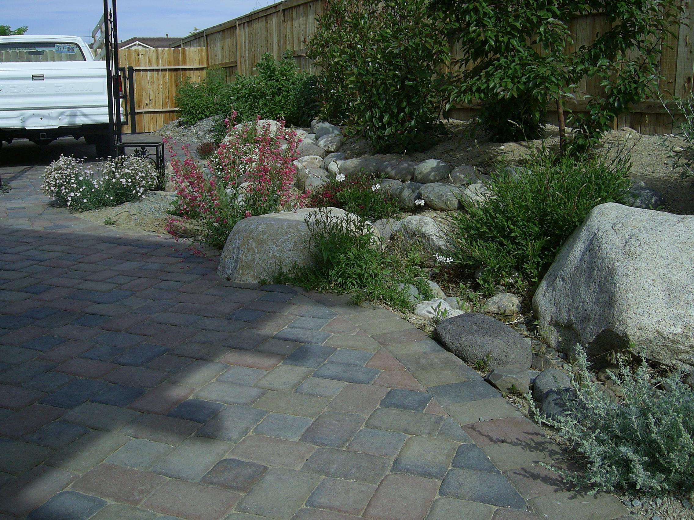 Cut Landscaping Bricks : Cutting brick pavers how we do it steve snedeker s landscaping