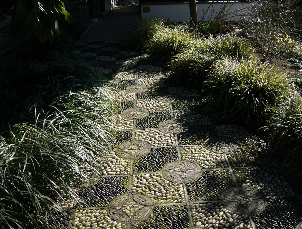 Pebble Pathways – And Mosaics, Pebble and Brick | Steve Snedeker\'s ...