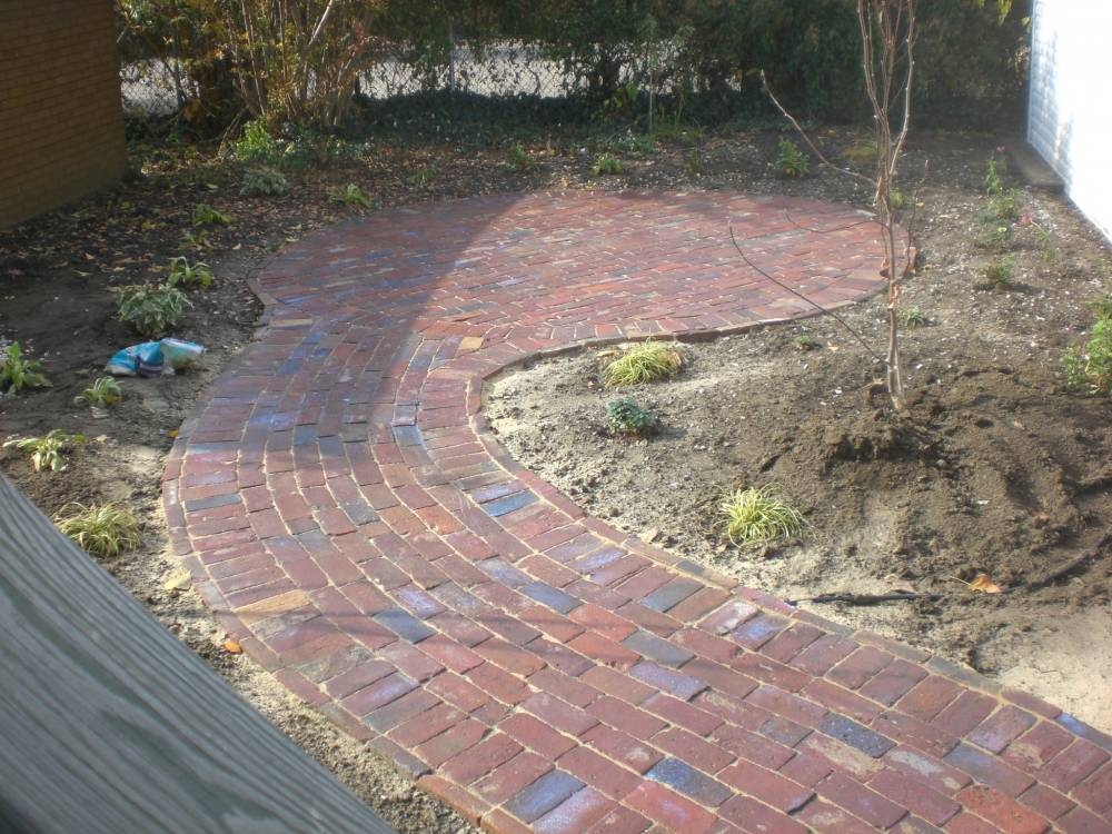 how to cut or break pavers